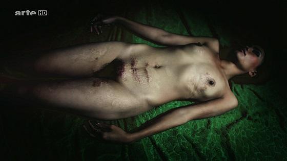 Atlas d'Agata recensione prostituzione sesso violenza droga cinema lo specchio scuro