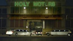 holy motors attualità lo specchio scuro recensione