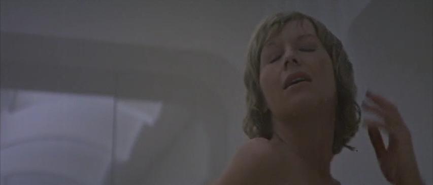 Images Robert Altman Lo Specchio Scuro Analisi Recensione Susannah York nuda doccia