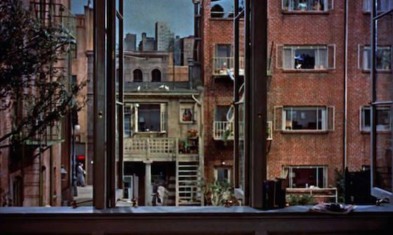 Lo specchio scuro le due sorelle sisters brian de palma 1973 recensione - La finestra sul cortile ...