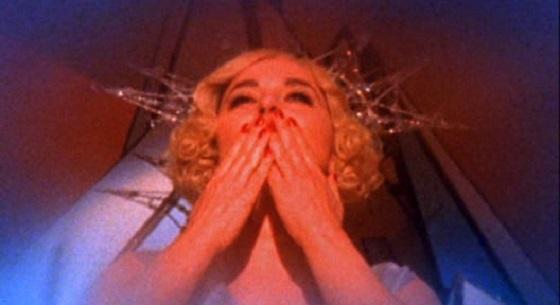 Isabella Rossellini La canzone più triste del mondo lo specchio scuro