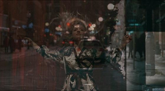 chloe film finale amanda seyfried fantasma  recensione lo specchio scuro