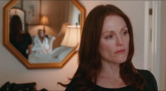 Chloe tra seduzione e inganno atom egoyan film recensione julianne moore lo specchio scuro