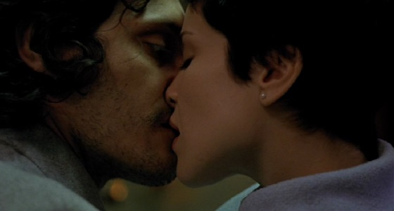 trouble every day vincent gallo tricia Vessey recensione bacio cannibalismo morso vampiro lo specchio scuro