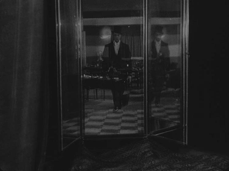 lo specchio a tre facce la glace a trois faces