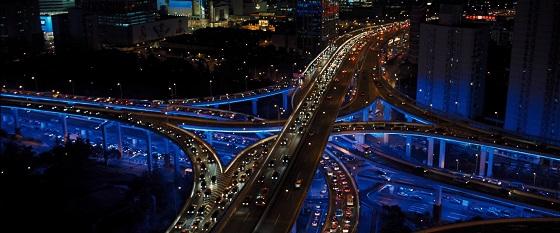 shanghai estetica neon skyfall 007 lo specchio scuro
