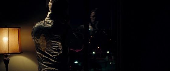 "drive neon noir estetica ""al neon"" kenneth anger nicolas winding refn lo specchio scuro"