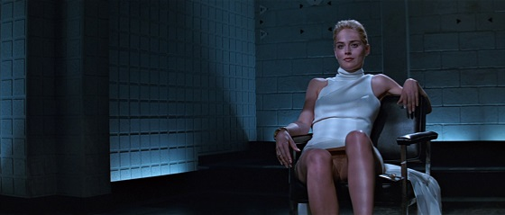 sharon stone scena interrogatorio