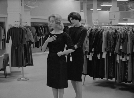 3 - Changing clothes in Carnival of Souls (Herk Harvey, 1962)