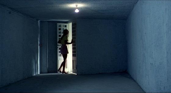tenebre iperrealismo fotografico luciano tovoli lo specchio scuro
